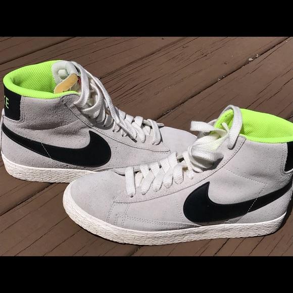 Enciclopedia Platillo Teseo  Shoes | Like New Nike Suede High Tops With Neon Green | Poshmark